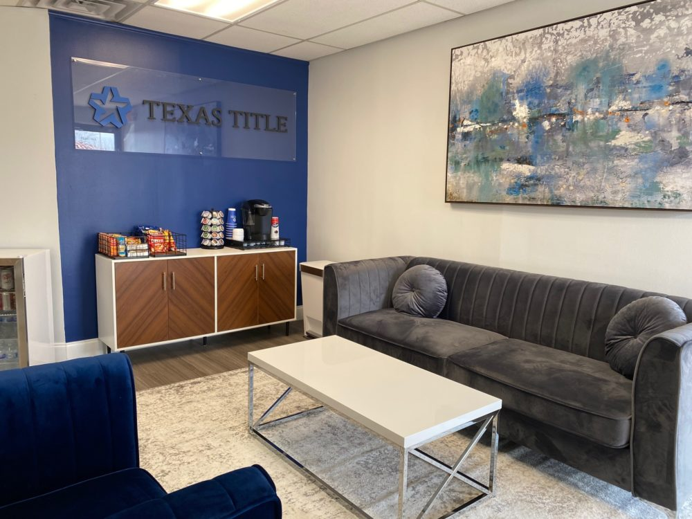 interior of texas title mansfield office